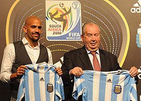 Presentaron la camiseta que usará la Selección Argentina en Sudáfrica