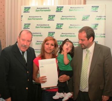 Adjudican 15 viviendas del Barrio Santa Rosa de San Fernando y se entregaron 94 escrituras
