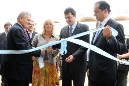 Scioli y Massa en la apertura la la nueva planta de VTV en Tigre