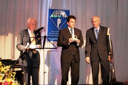 Sergio Massa fue distinguido con el premio a la excelencia por ADEPRA