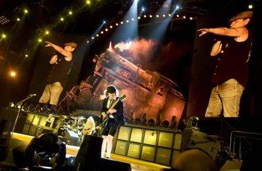 AC/DC logró una comunión rockera única con el público argentino en el primero de sus tres shows en el país