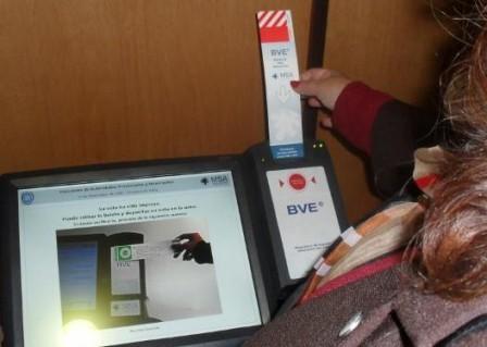 El Gobernador de Salta presentó el voto electrónico que se utilizó en la última elección provincial