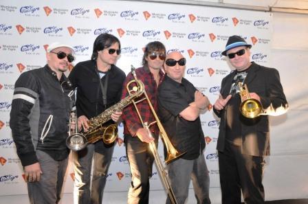 Ricardo Rojas celebró su 51º aniversario con el grupo La Mosca