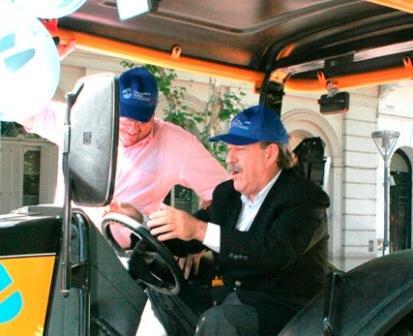 El Intendente Osvaldo Amieiro compartió la celebración, realizada el miércoles 9 de Diciembre. En el acto se presentaron 3 nuevas unidades de trabajo: una camioneta, un tractor y un camión