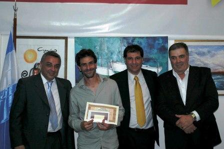 Los ganadores del 1º Salón de Pintura, Dibujo y Escultura fueron reconocidos por participar en el certamen.