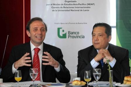 El vicepresidente del Banco Provincia, Gustavo Marangoni, expuso hoy junto al representante de Taiwán en la Argentina, Andrea Sing – Ying Lee