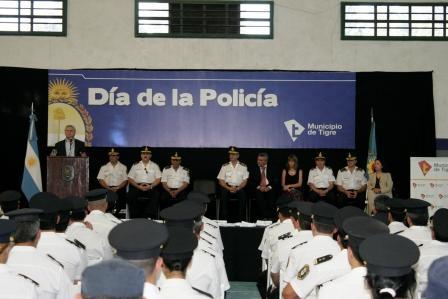 Tigre celebró el Día de la Policía en el polideportivo Central