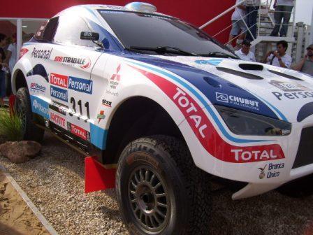 Dakar 2010 empezó su aventura de 16 días en Buenos Aires