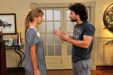 Isabel (Marcela Kloosterboer) decide terminar su relación con Segundo (Mariano Martínez), para que su padre no lo mate
