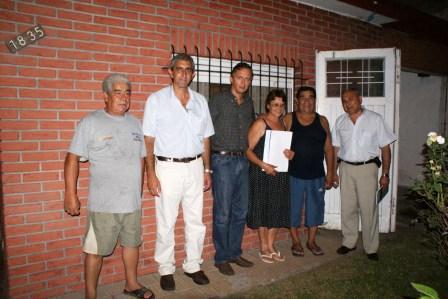 Entrega de escrituras en el barrio La Paloma