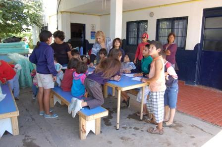 Pilar: Acción Social continúa asistiendo a los evacuados.