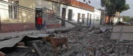 Un sismo de 8,8 grados sacudió Chile y dejó al menos 122 muertos.