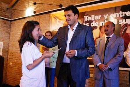 Más estudiantes de Tigre recibirán una beca