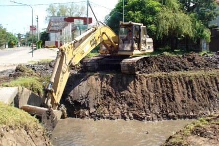 Trabajos de limpieza y mantenimiento de arroyos de Tigre