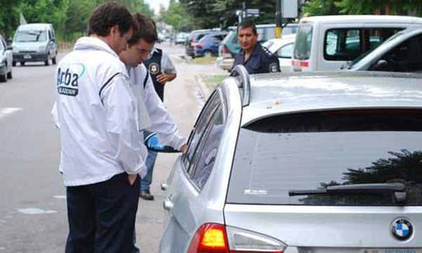 Arba secuestró un vehículo en San Isidro por una deuda de patentes