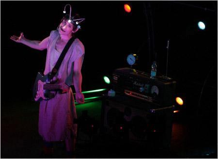 Albert Pla, un juglar de la canción y el teatro