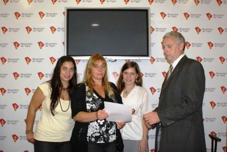 Tigre entregó el premio del Programa Si Cumplís, Ganás