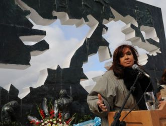 La presidenta reclamó la intervención de potencias por las islas Malvinas y negó acciones militares
