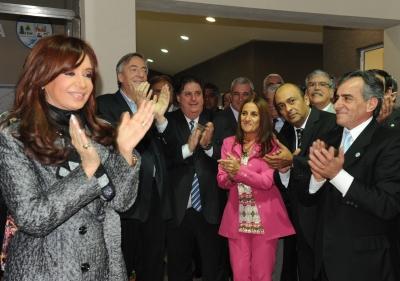 La Presidenta inauguró un hospital de rehabilitación en Malvinas Argentinas lunes, 05 de abril de 2010