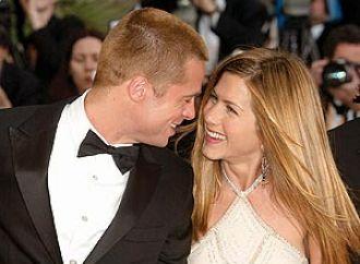Afirman que Brad Pitt y Jennifer Aniston estuvieron a los besos