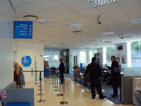 Banco macro inaugur una nueva sucursal en tigre www for Oficinas banco popular malaga