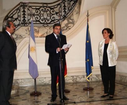 Embajadores culturales de San Fernando visitaron la embajada de Rumania