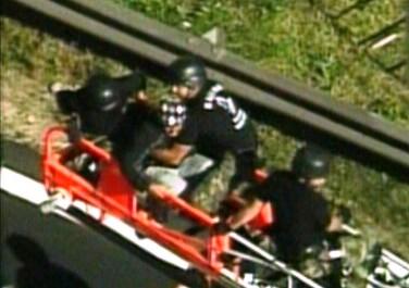 Amenaza con suicidarse desde un puente de la Panemericana