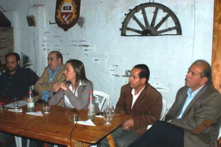 La reunión estuvo encabezada la diputada provincial Cecilia Moreau, el concejal sanisidrense Carlos Castellano y los dirigentes radicales Francisco Blefari, Federico Perez Gaviola y Jorge González.