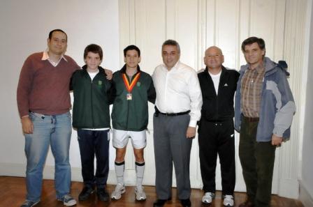 Los atletas Lucas Adorno y Juan Pablo Gebetsberger recibieron un subsidio por parte del municipio de Tigre