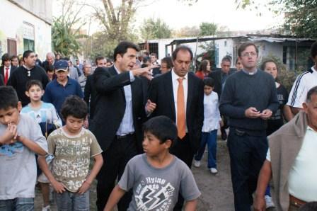 El Intendente Sergio Massa acompañado por el gobernador Scioli.