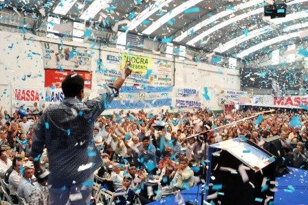 El Club Glorias fue escenario del multitudinario acto con el que el Partido Justicialista de Tigre celebró el Día del Trabajador