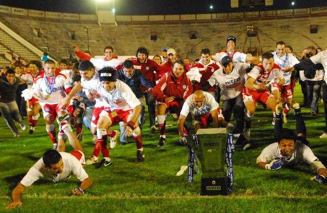 Argentinos fue práctico, derrotó a Huracán y se consagró campeón del clausura 2010