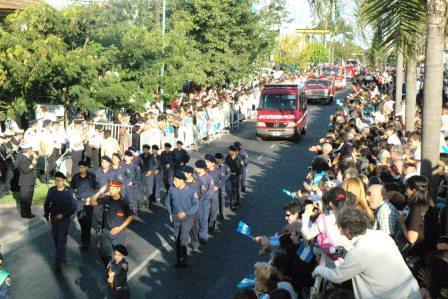 Desfile del Bicentenario Argentino en Pacheco