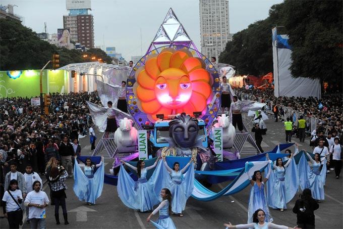 Las provincias aportaron su emoción y color a la fiesta del Bicentenario