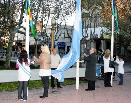 El intendente de San Fernando festejó el día de la Patria en la Plaza Mitre
