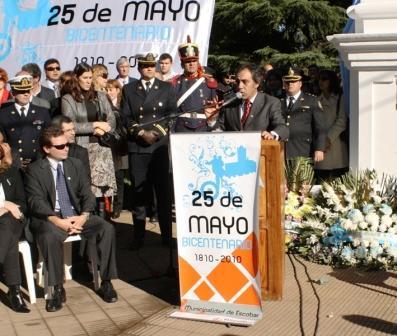 Festejos por el Bicentenario de la Revolución de Mayo, organizados por la Municipalidad de Escobar