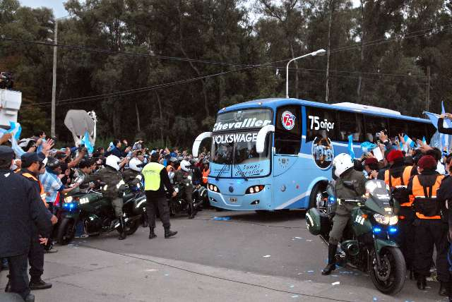 La Selección Argentina partio rumbo a Sudáfrica