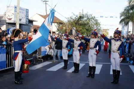 Veteranos de Malvinas se sumaron al desfile