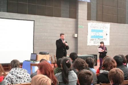 Primer encuentro distrital de estudiantes delegados en San Fernando