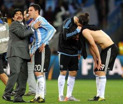 El entrenador del seleccionado argentino de fútbol, Diego Maradona, señaló hoy que la eliminación ante Alemania, por 4 a 0