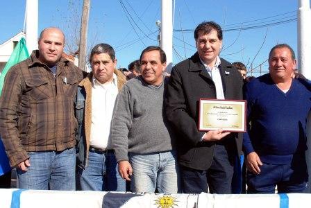 Junto a numerosos socios y vecinos de Don Torcuato, autoridades del Municipio de Tigre participaron de la celebración de un nuevo aniversario de la creación del Club 9 de julio
