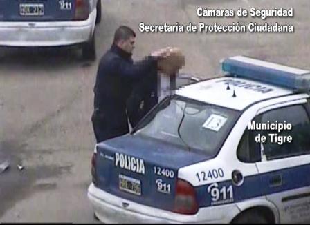 Dos menores fueron detenidos por la policía y filmados por las cámaras de Tigre