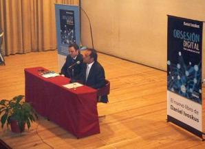 Daniel Ivoskus presentó su nuevo libro obsesión digital