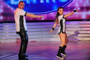 La rutina de La Mole desató un escándalo en el jurado de Bailando por un sueño