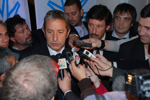 el vicepresidente de la República, Ing. Julio Cobos, en el cierre del primer encuentro del ciclo de Jornadas Federales denominado La Argentina que Queremos