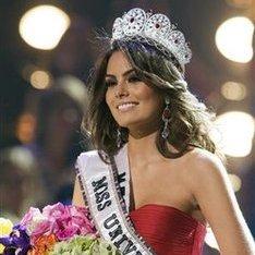 La mexicana Jimena Navarrete es coronada Miss Universo