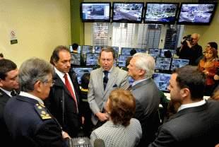 Scioli inauguró 20 cámaras de seguridad y entregó patrulleros en San Martín