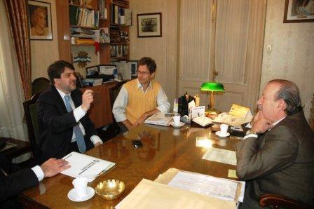 El subsecretario de Derechos Humanos de la Provincia, Fernando Cano, se reunió con el intendente Osvaldo Amieiro