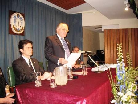 El escribano Vasallo, al asumir la presidencia de la institución