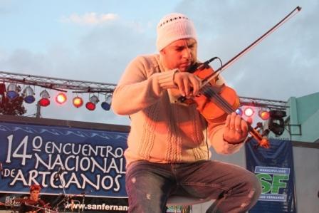 Más de 200 artesanos de todo el país participaron de una feria en  San Fernando